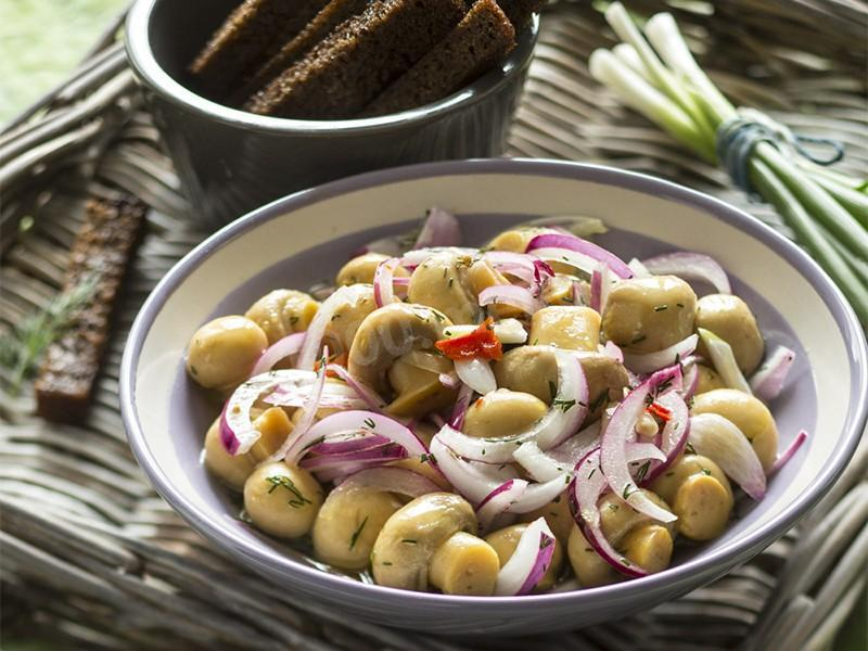 Pickled instant mushrooms. Very simple recipe