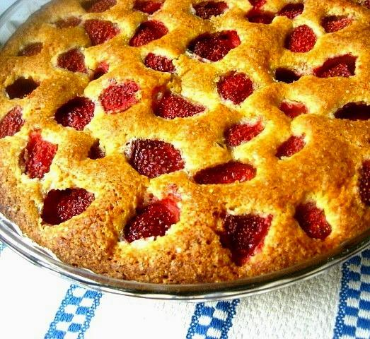 Easy to make strawberry pie, but such delicious!