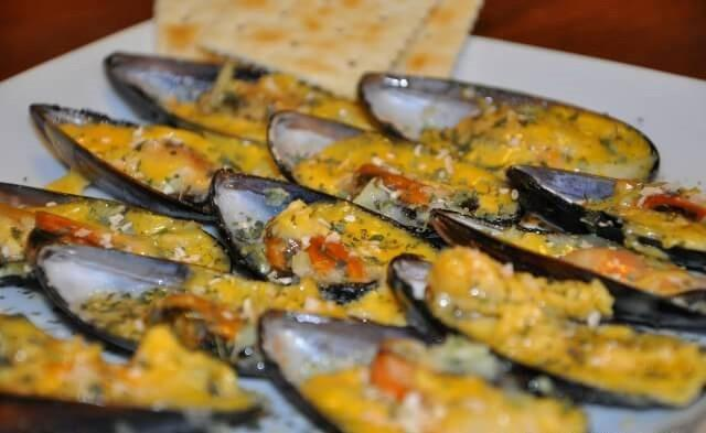 Baked mussels and cheese appetizer