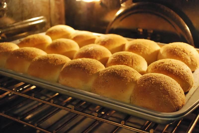 Easy Pandesal - the most popular bread in the Philippines