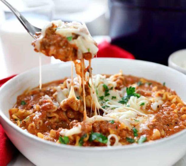 Super Easy 30 minutes Lasagna Soup