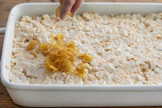 Creamy and cheesy potato casserole with corn flakes